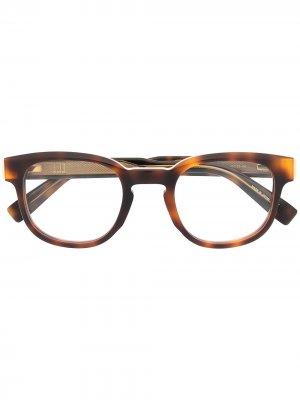 Очки черепаховой расцветки с логотипом Dunhill. Цвет: коричневый