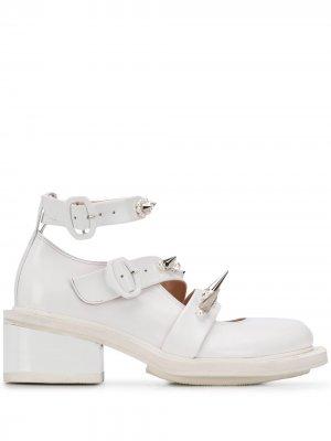 Туфли с искусственным жемчугом и заклепками-шипами Simone Rocha. Цвет: белый