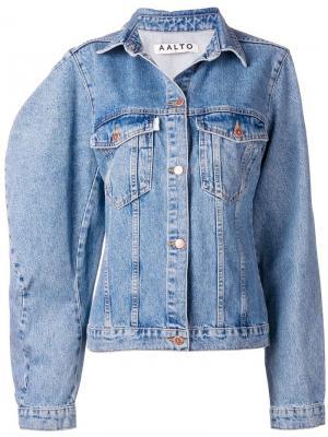 Джинсовая куртка свободного кроя Aalto. Цвет: синий