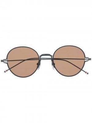 Солнцезащитные очки в круглой оправе Thom Browne Eyewear. Цвет: синий