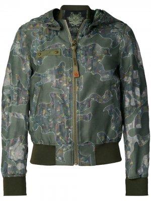 Куртка-бомбер с камуфляжным принтом Mr & Mrs Italy. Цвет: зеленый