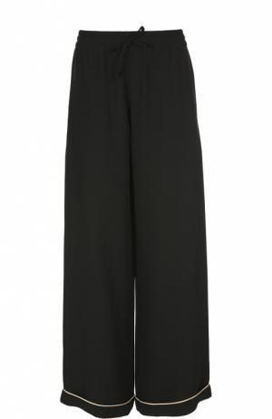 Шелковые брюки в пижамном стиле с контрастной отделкой Valentino. Цвет: черный