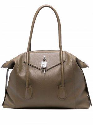 Большая сумка-мессенджер Antigonia Givenchy. Цвет: зеленый