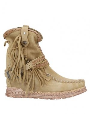 Полусапоги и высокие ботинки EL VAQUERO. Цвет: песочный
