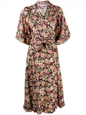 Платье миди с цветочным принтом byTiMo. Цвет: розовый