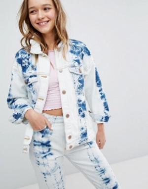 Мраморная джинсовая куртка Monki. Цвет: синий