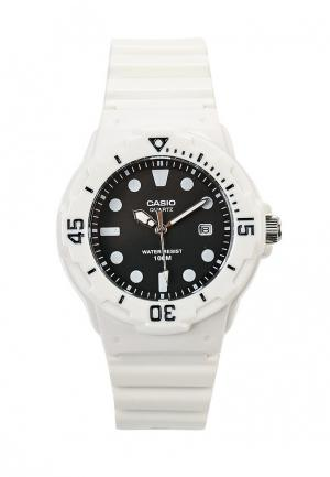 Часы Casio Collection LRW-200H-1E. Цвет: белый