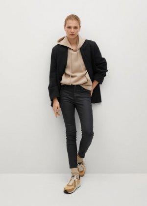 Укороченные вощеные джинсы-скинни Isa - Mango. Цвет: черный