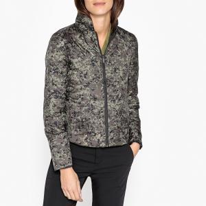 Куртка стеганая короткая с камуфляжным принтом IKKS. Цвет: камуфляж
