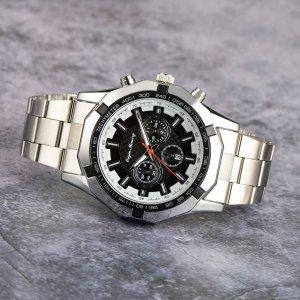 Мужские кварцевые часы с датой и тройным циферблатом SHEIN