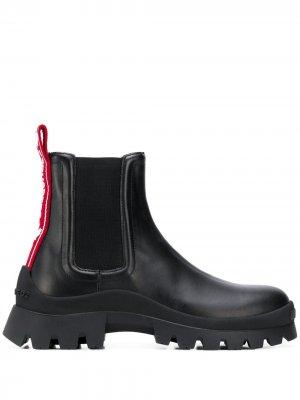Ботинки на массивной подошве Dsquared2. Цвет: черный