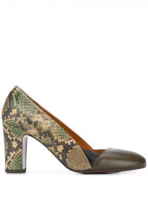 Туфли-лодочки Wantil со вставками Chie Mihara. Цвет: зеленый