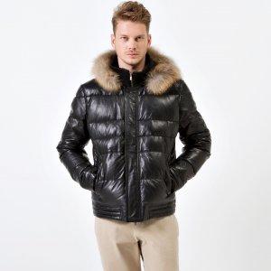 Куртка Зимняя кожаная Lacoste. Цвет: чёрный