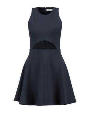 Короткое платье ELIZABETH AND JAMES. Цвет: темно-синий