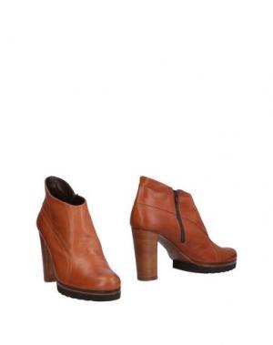 Ботинки ELATA. Цвет: коричневый