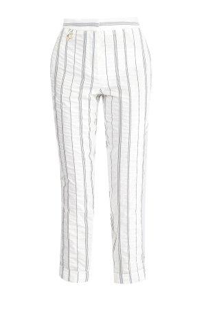 Брюки укороченного кроя с жатой текстурой и тканым принтом в полоску LORENA ANTONIAZZI. Цвет: белый