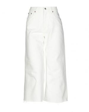 Джинсовые брюки-капри CHEAP MONDAY. Цвет: белый