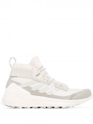 Кроссовки Terrex Free Hiker adidas. Цвет: серый