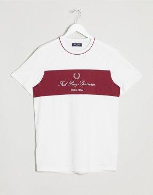 Белая футболка с контрастной вставкой и логотипом -Белый Fred Perry