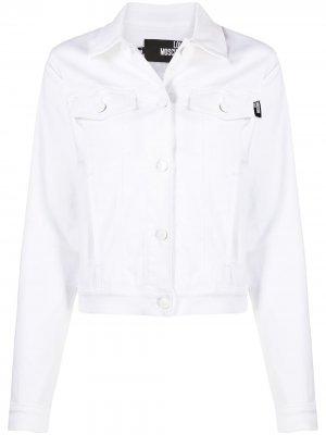 Джинсовая куртка на пуговицах Love Moschino. Цвет: белый