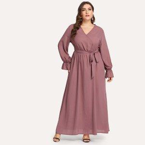 Большое простое платье с V-образным вырезом и поясом SHEIN. Цвет: розовые
