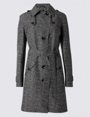 Слекга приталенный принтованный макинтош с технологией Stormwear™ M&S Collection. Цвет: черный микс