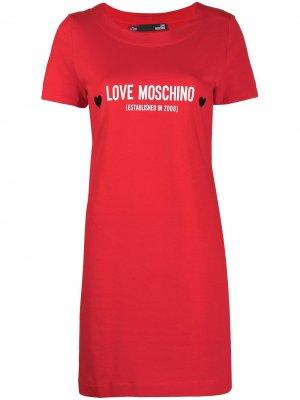 Платье-футболка с логотипом Love Moschino. Цвет: красный