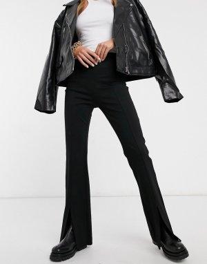 Расклешенные трикотажные брюки черного цвета с разрезами спереди из экологичной вискозы -Черный & Other Stories