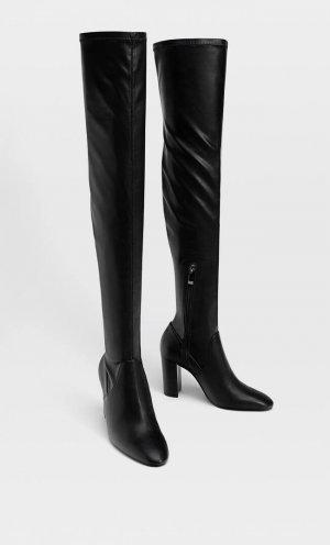 Ботфорты Облегающего Кроя На Каблуке Женская Коллекция Черный 35 Stradivarius. Цвет: черный