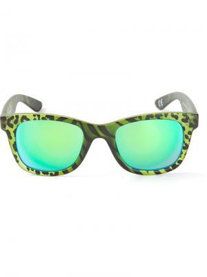 Солнцезащитные очки с зеркальными линзами I-Peach Italia Independent. Цвет: зеленый
