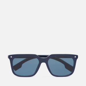 Солнцезащитные очки Carnaby Burberry. Цвет: синий