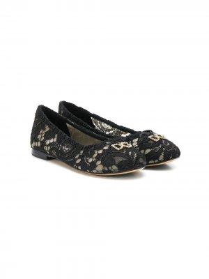 Балетки с цветочным кружевом Dolce & Gabbana Kids. Цвет: черный