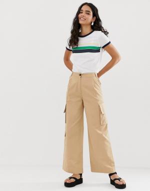 Широкие бежевые брюки в стиле милитари с большими карманами -Бежевый Monki