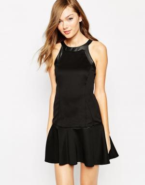 Платье без рукавов Boulee Yasmine