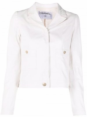 Джинсовая куртка с логотипом CC на пуговицах Chanel Pre-Owned. Цвет: белый