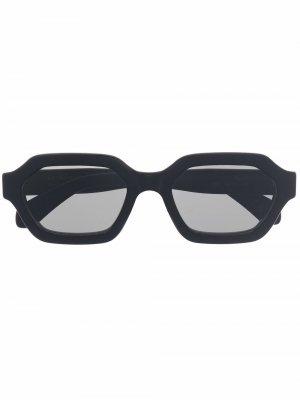 Солнцезащитные очки Pooch Retrosuperfuture. Цвет: черный