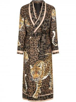 Халат с леопардовым принтом Dolce & Gabbana. Цвет: коричневый