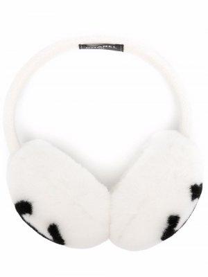 Меховые наушники 2010-го года с логотипом CC Chanel Pre-Owned. Цвет: белый