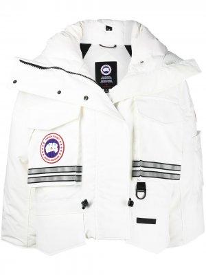 Укороченная куртка Snow Mantra из коллаборации с Angel Chen Canada Goose. Цвет: белый