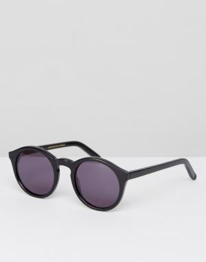 Солнцезащитные очки в круглой черной оправе Monokel Eyewear. Цвет: черный