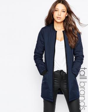 Длинная стеганая куртка-пилот Vero Moda Tall. Цвет: темно-синий