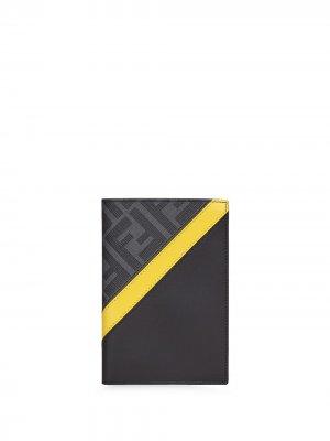 Обложка для паспорта с логотипом FF Fendi. Цвет: черный