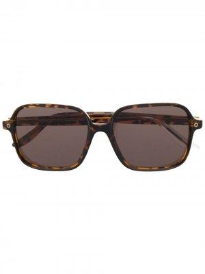 Солнцезащитные очки в массивной оправе Snob. Цвет: коричневый
