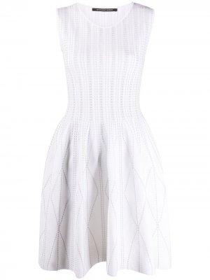 Расклешенное платье без рукавов Antonino Valenti. Цвет: белый