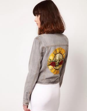 Джинсовая куртка с принтом Guns & Roses Amplified. Цвет: черный