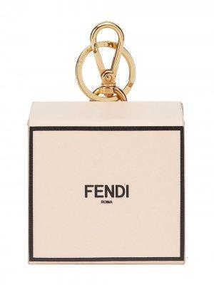 Брелок с логотипом Fendi. Цвет: розовый
