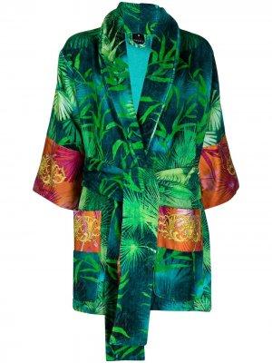 Халат с поясом и принтом Versace. Цвет: зеленый