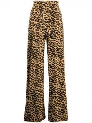 Расклешенные брюки с леопардовым принтом Norma Kamali. Цвет: черный