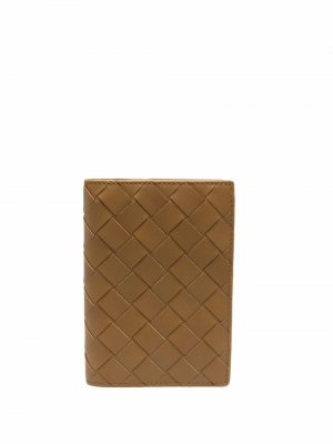 Обложка для паспорта с плетением Intrecciato Bottega Veneta. Цвет: зеленый