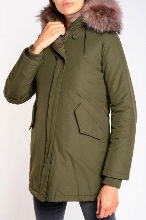 Куртка CANADIAN. Цвет: зеленый